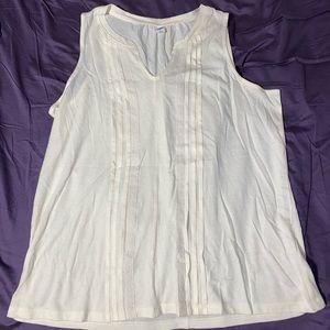 Sleeveless women's blouse